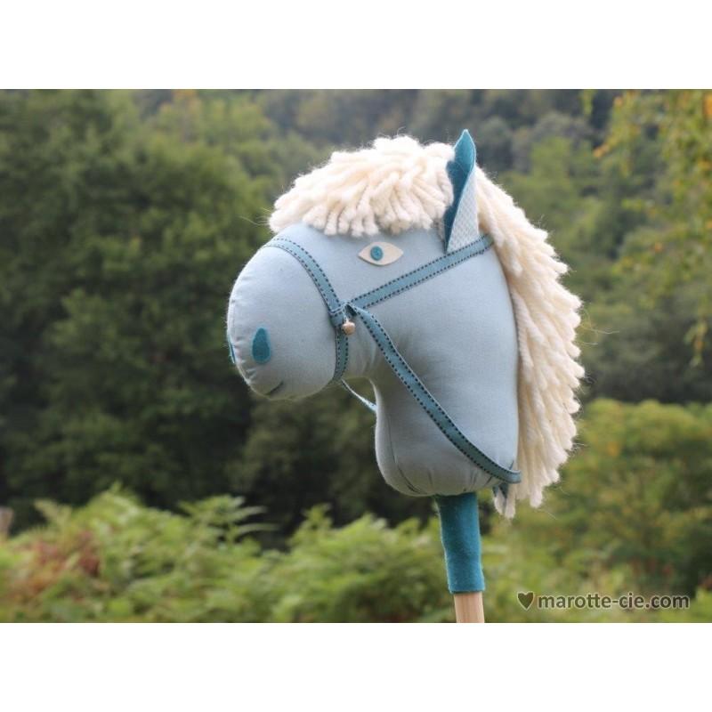kit cheval baton bleu en vente chez marotte et cie. Black Bedroom Furniture Sets. Home Design Ideas