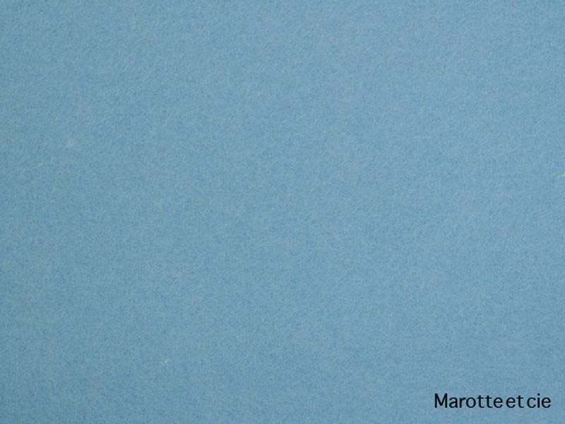 58 - bleu clair